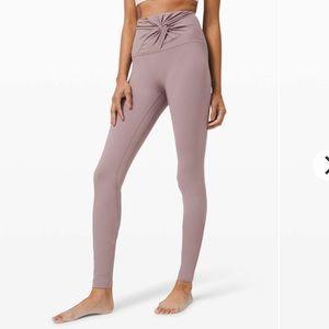 EUC Lululemon Align Twist Legging Size 4